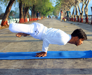 yoga-ttc-class-in-rishikesh-india