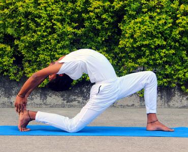 Online Yoga Classes Near Me | Yoga Center in Rishikesh